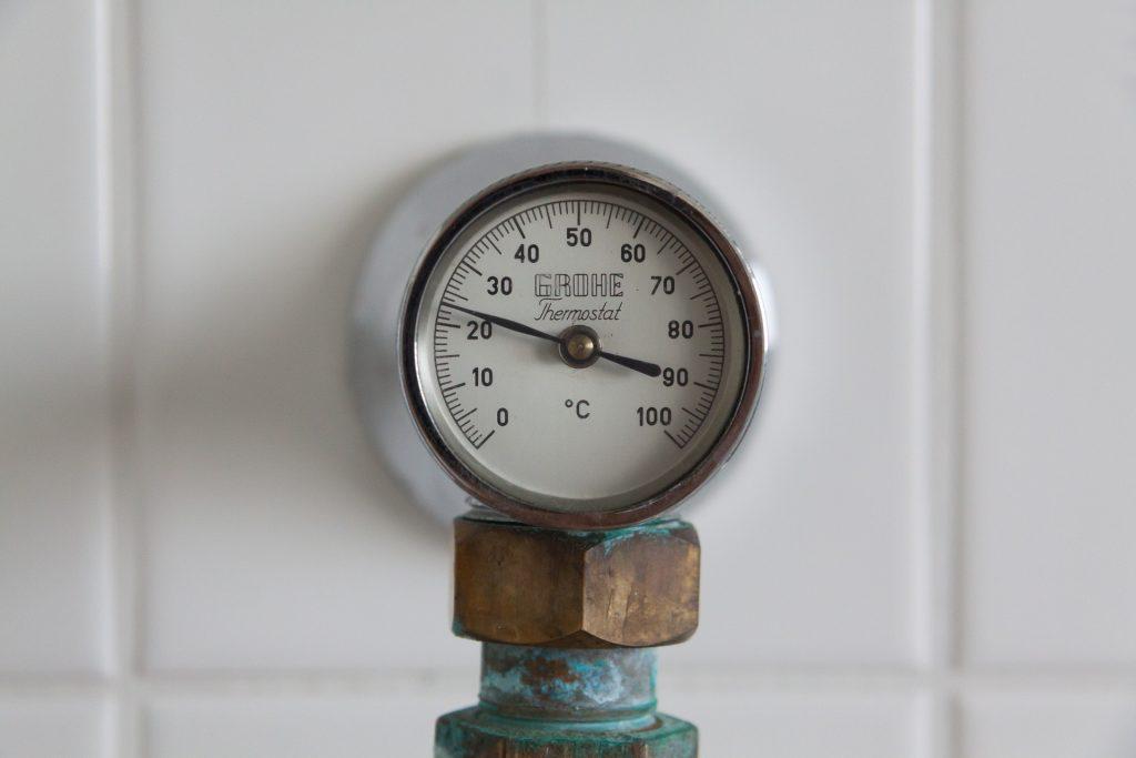 Un vieux thermostat de radiateur