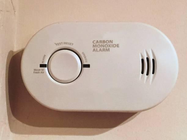 Détecteur de monoxyde de carbone installé dans une maison