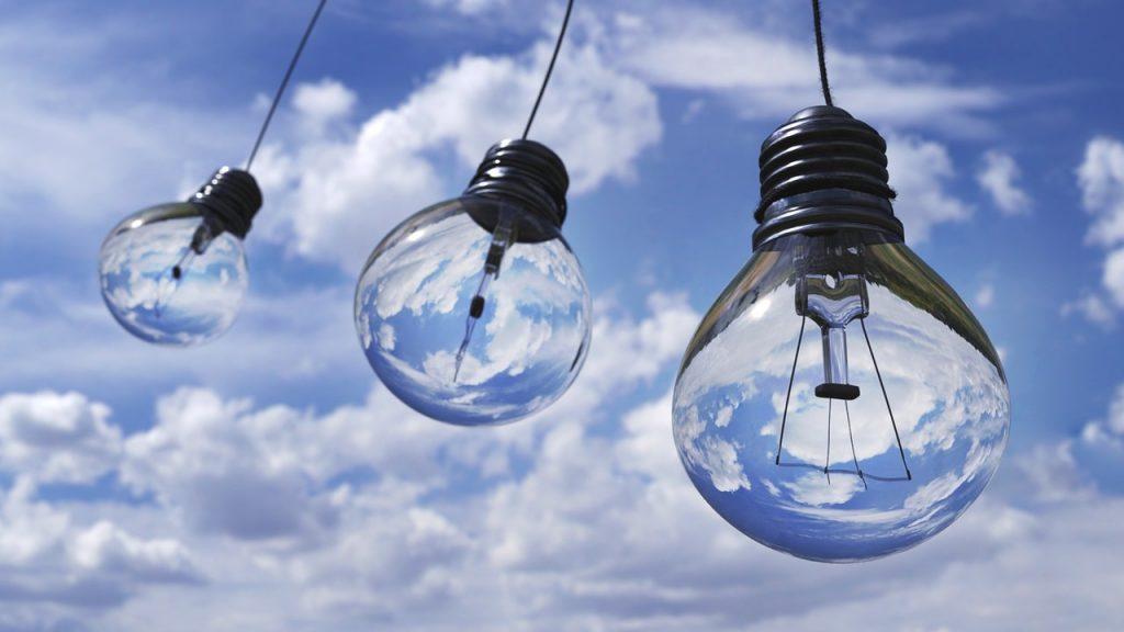 Ampoules dans le ciel