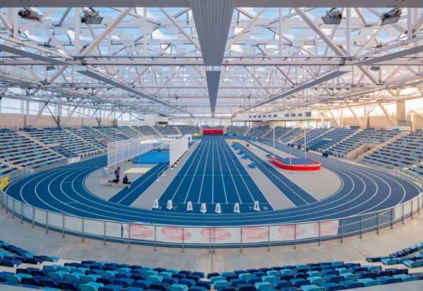 Stade avec structure métallique et toile, fabriqué par l'entreprise SMC2